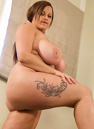 When it comes to busty English women, Terri Jane is at the top of the list. This spunky brunette, brown eyed BBW beauty will keep you