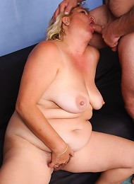Cute plumper Sussana works a cock with her mouth and gets it hard and deep into her slit live