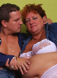 BBW Sherry spreads her thick thighs wide to take a cock in her snatch and gets cumshot live