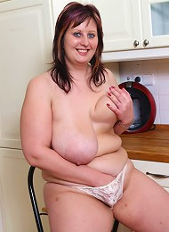 Kitchen seduction show from full babe in white panties