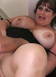BBW cutie came to apply for a job and ended up being boned by her boss for a bonus