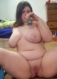 Young fatty with golden hair inserts in her pussy dildo