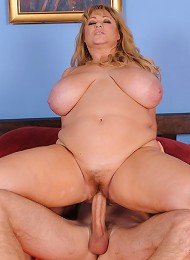 Samantha 38G, BBW star, knows how to make a guy feel good her with body. If her giant breasts arent enough to make someone cum